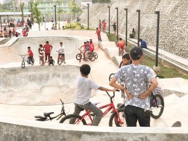 Arena Skate Park & Sepeda BMX